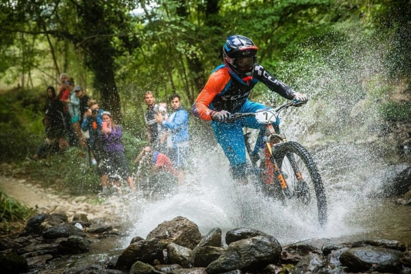 Nicolas Lau & Jérome Clémentz dans le Top Five  des Enduros World Series 2016